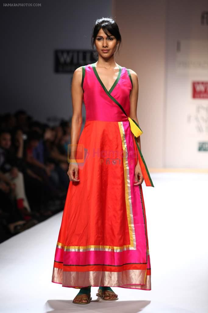 Lifestyle clothes online india