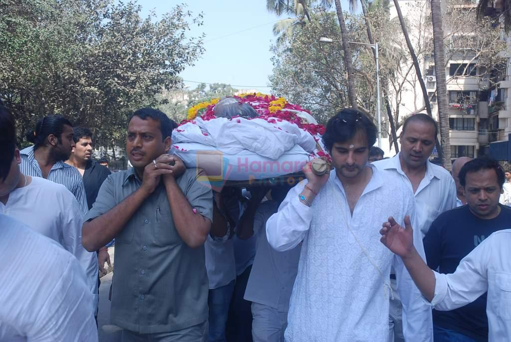 at joy mukherjee funeral in Mumbai on 10th March 2012