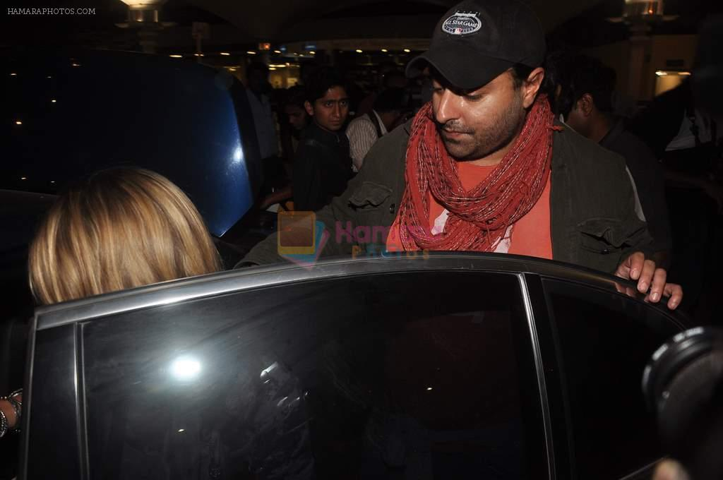 Vikram Chatwal arrives in India with gf in Mumbai Airport on 17th March 2012