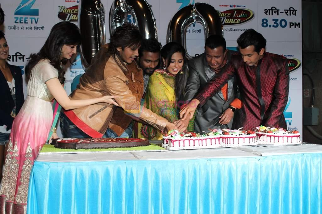 Mithun Chakraborty, Remo D Souza, Geeta Kapur, terrence lewis, Saumya Tandon, Jay Bhanushali at Dance India Dance 100 episodes in Famous on 20th March 2012