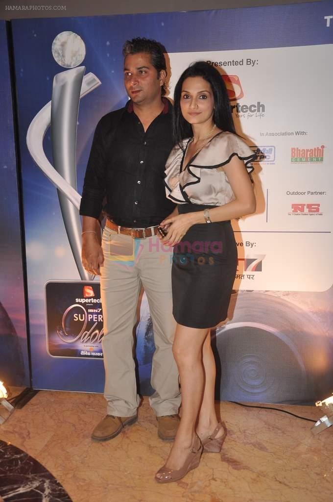 Rajeshwari Sachdev, Varun Badola at IBN 7 Super Idols in Taj Land's End on 20th March 2012
