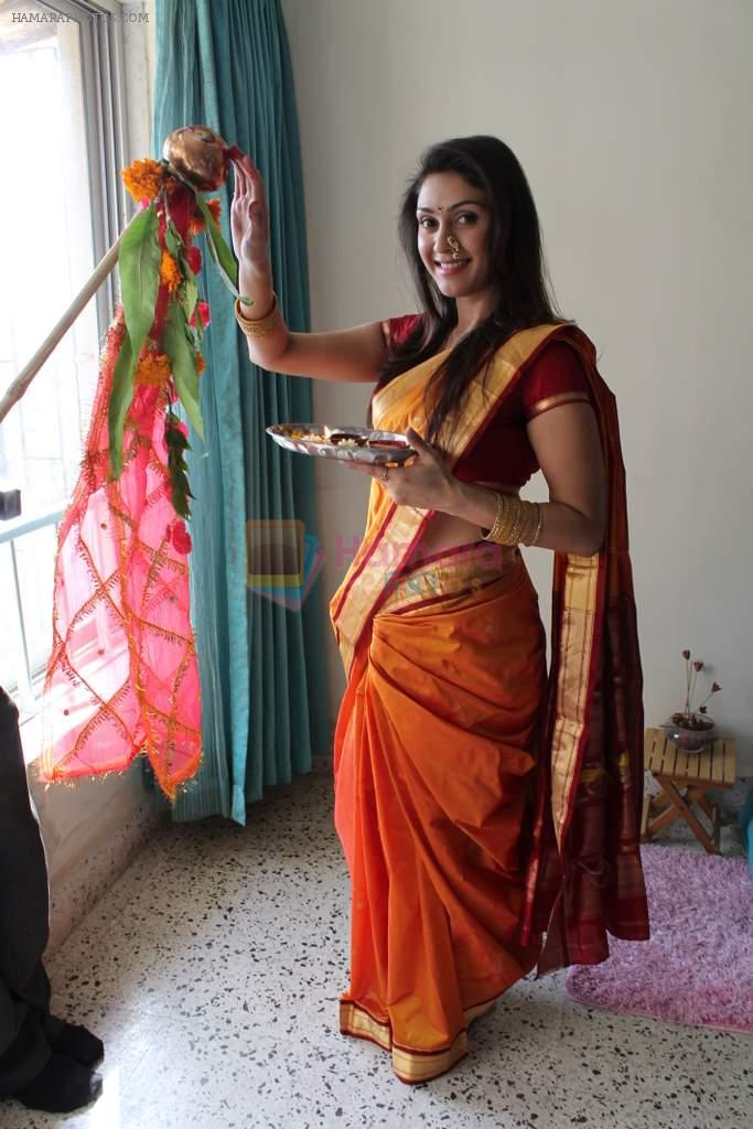 Manjari Phadnis gudi padwa photo shoot in Mumbai on 22nd March 2012