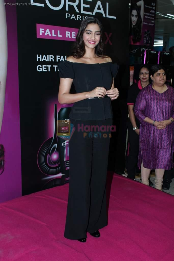 Sonam Kapoor at Loreal event in Mumbai on 22nd March 2012