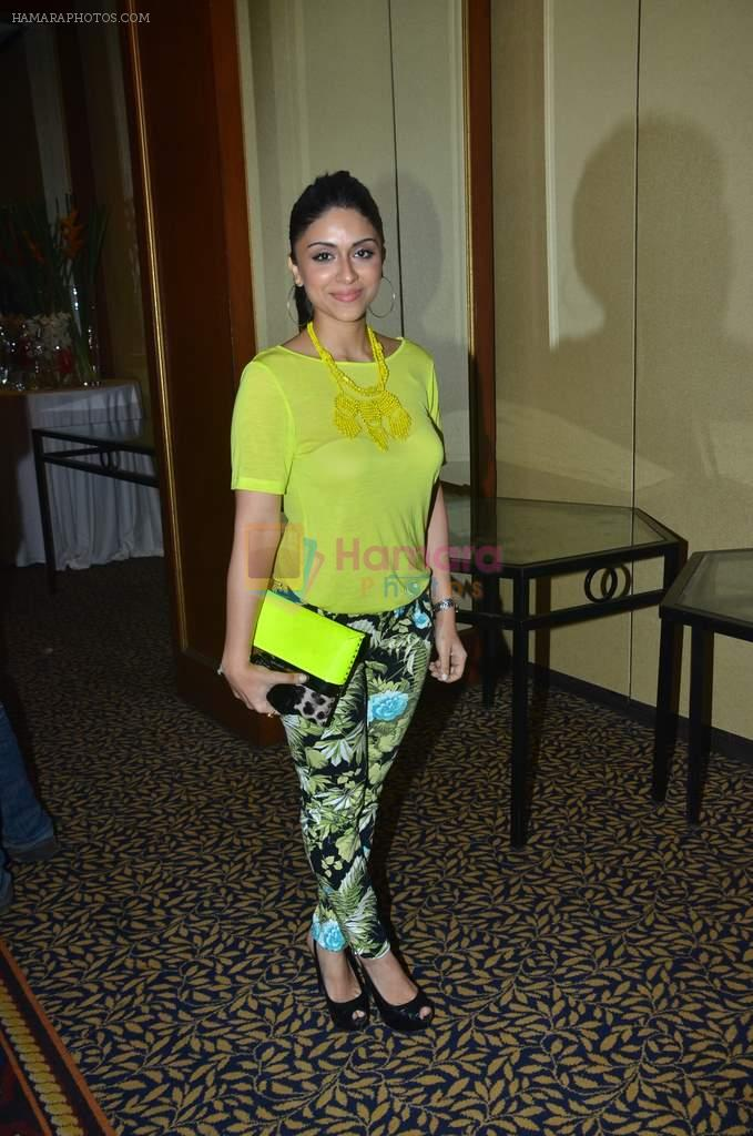 zoa morani at SNDT Chrysalis fashion show in Mumbai on 20th April 2012