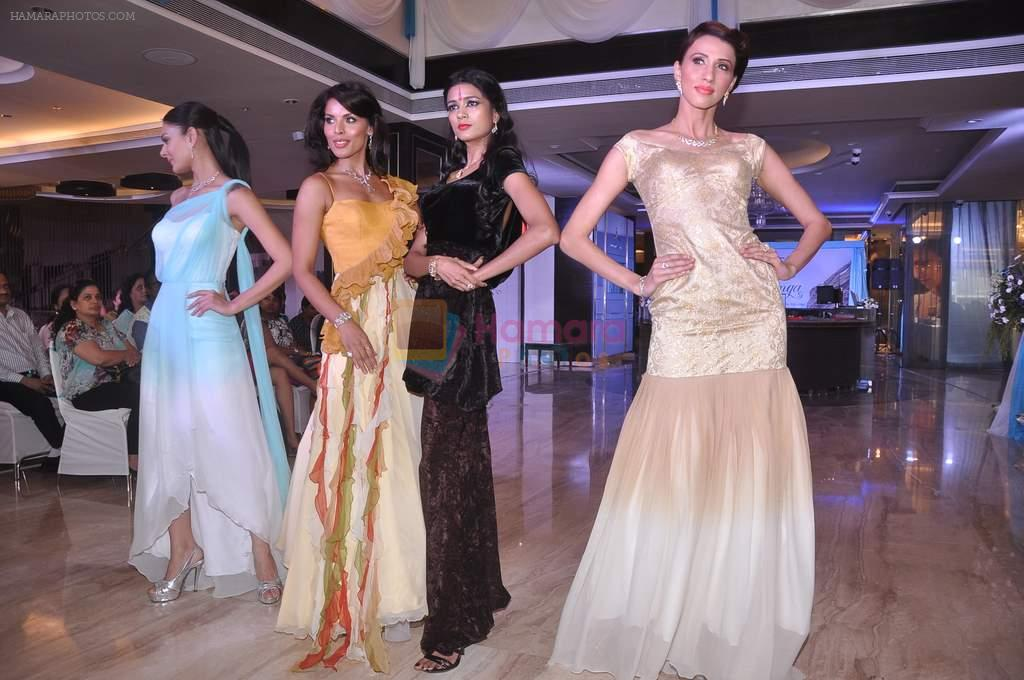 Aanchal Kumar, Alecia Raut, Deepti Gujral at Tanishq launches Ganga collection in Andheri, Mumbai on 19th June 2012