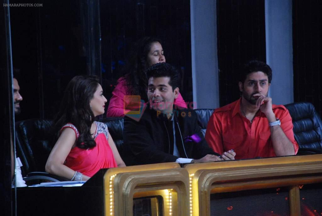 Madhuri Dixit, Karan Johar, Abhishek Bachchan on the sets of Jhalak Dikhhlaa Jaa 5 in Filmistan on 20th June 2012