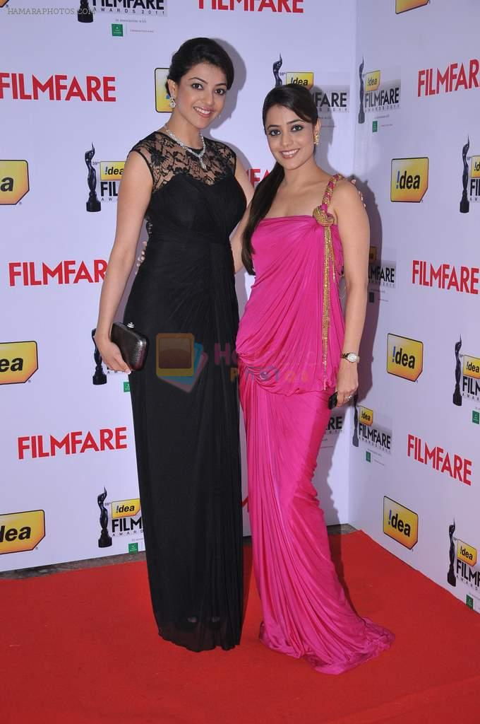 Kajal Aggarwal & Kasthuri at the Red Carpet of _59th !dea Filmfare Awards 2011_