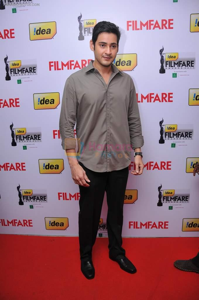 Mahesh Babu received  The Best Actor Award (Telugu) for the Movie _Dookudu_ at the _59th !dea Filmfare Awards 2011_