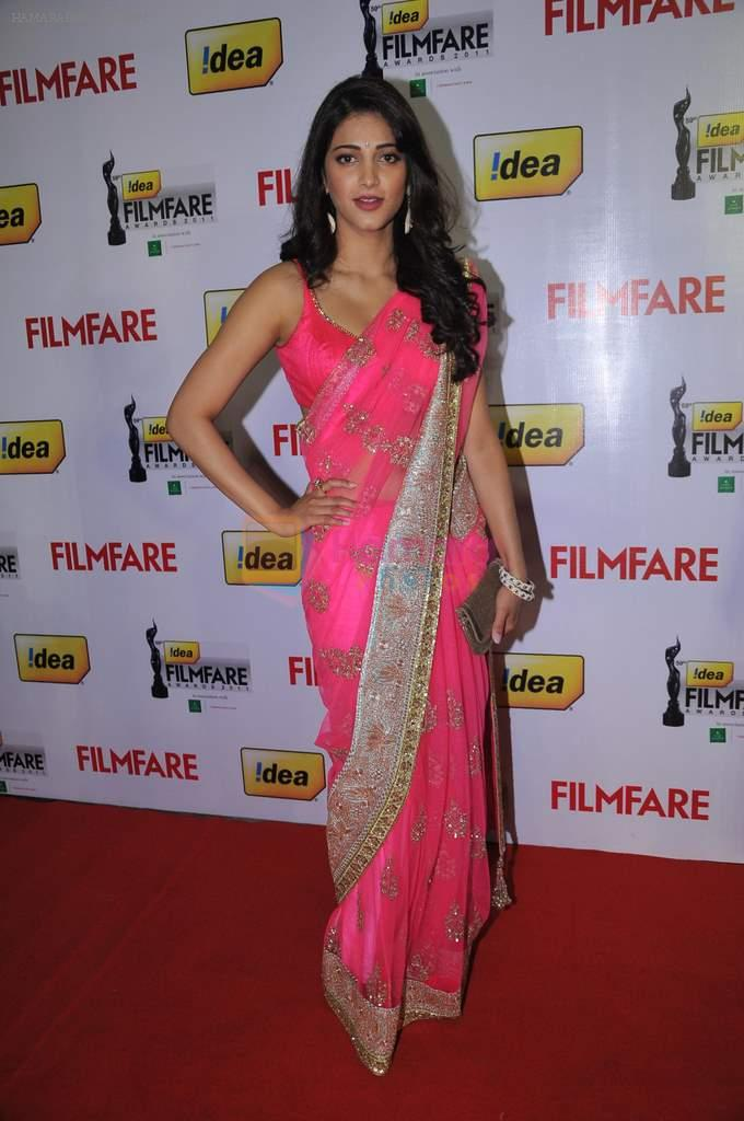 Shruti Hassan at the Red Carpet of _59th !dea Filmfare Awards 2011_