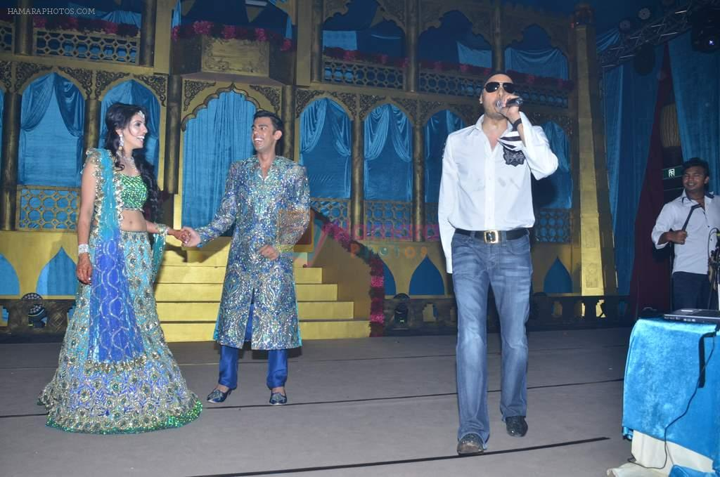 Sukhbir at Varun and Michelle's wedding in Banyan Golf Club, Thailand on 9th July 2012