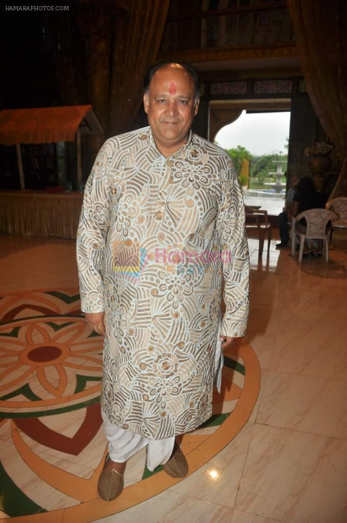 Alok Nath at Yahan Main Ghar Ghar Kheli 700 episodes celebrations in Filmcity, Mumbai on 10th July 2012