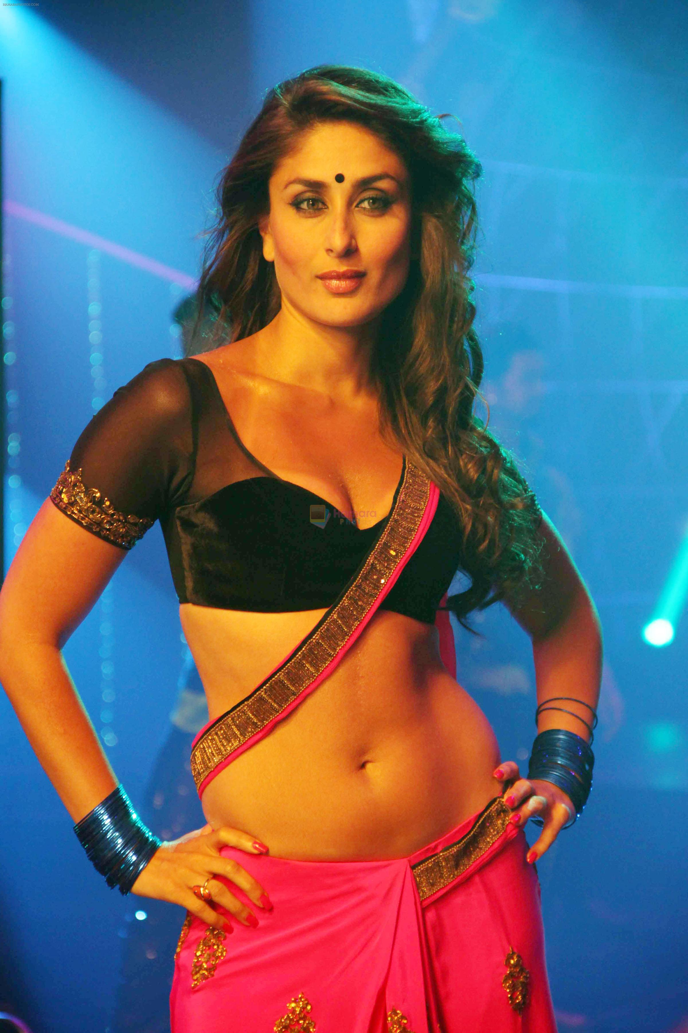 kareena kapoor in the song halkat jawani from the film heroine