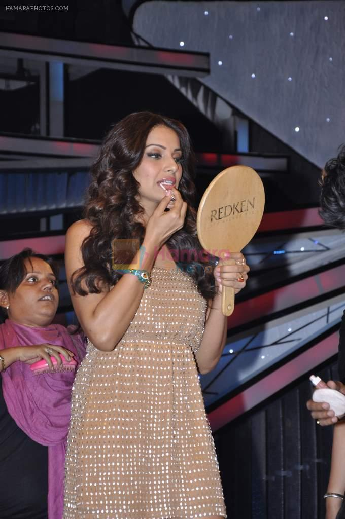 Bipasha Basu on the sets of Lil Masters in Famous Studio on 28th Aug 2012
