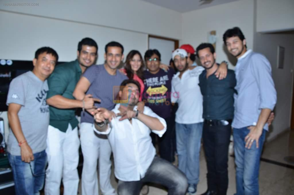 Harmeet Gulzar, Hiten Paintal, Tikshika at Singer Tikshika's birthday bash on 25th Sept 2012