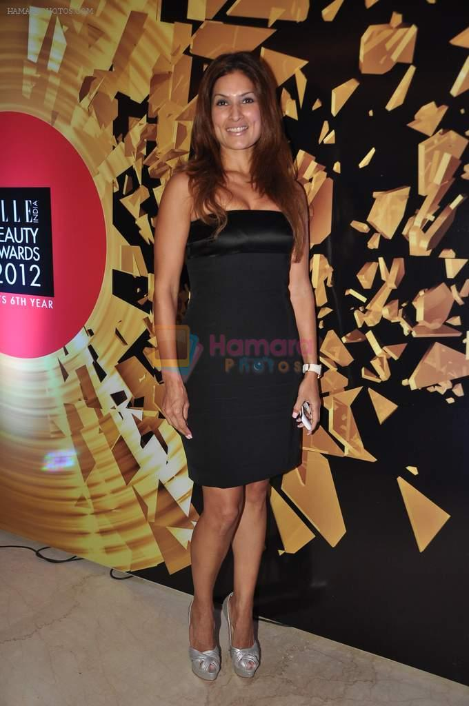 at Elle beauty awards 2012 in Mumbai on 1st Oct 2012