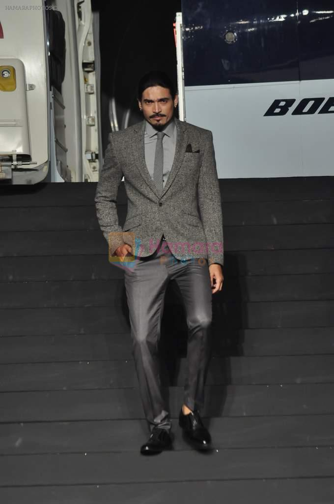 Shawar Ali at Van Heusen launch in Mumbai on 3rd Oct 2012