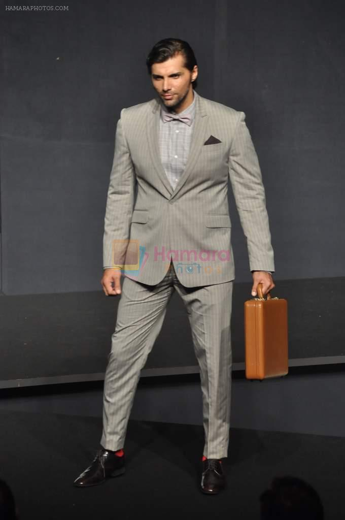 Chetan Hansraj at Van Heusen launch in Mumbai on 3rd Oct 2012