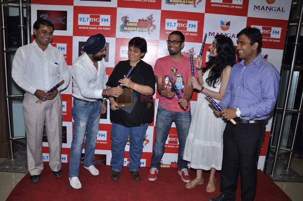 Falguni Pathak at Big FM in Andheri, Mumbai on 4th Oct 2012