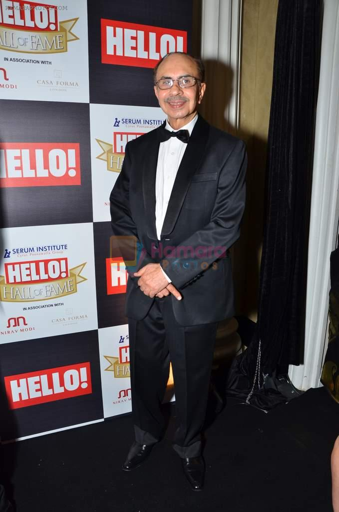 at red carpet of Hello Hall of Fame Awards in Mumbai on 27th Dec 2012