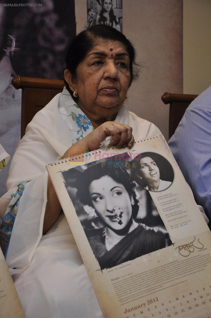 Lata Mangeshkar calendar launch in Peddar Road, Mumbai on 27th Dec 2012