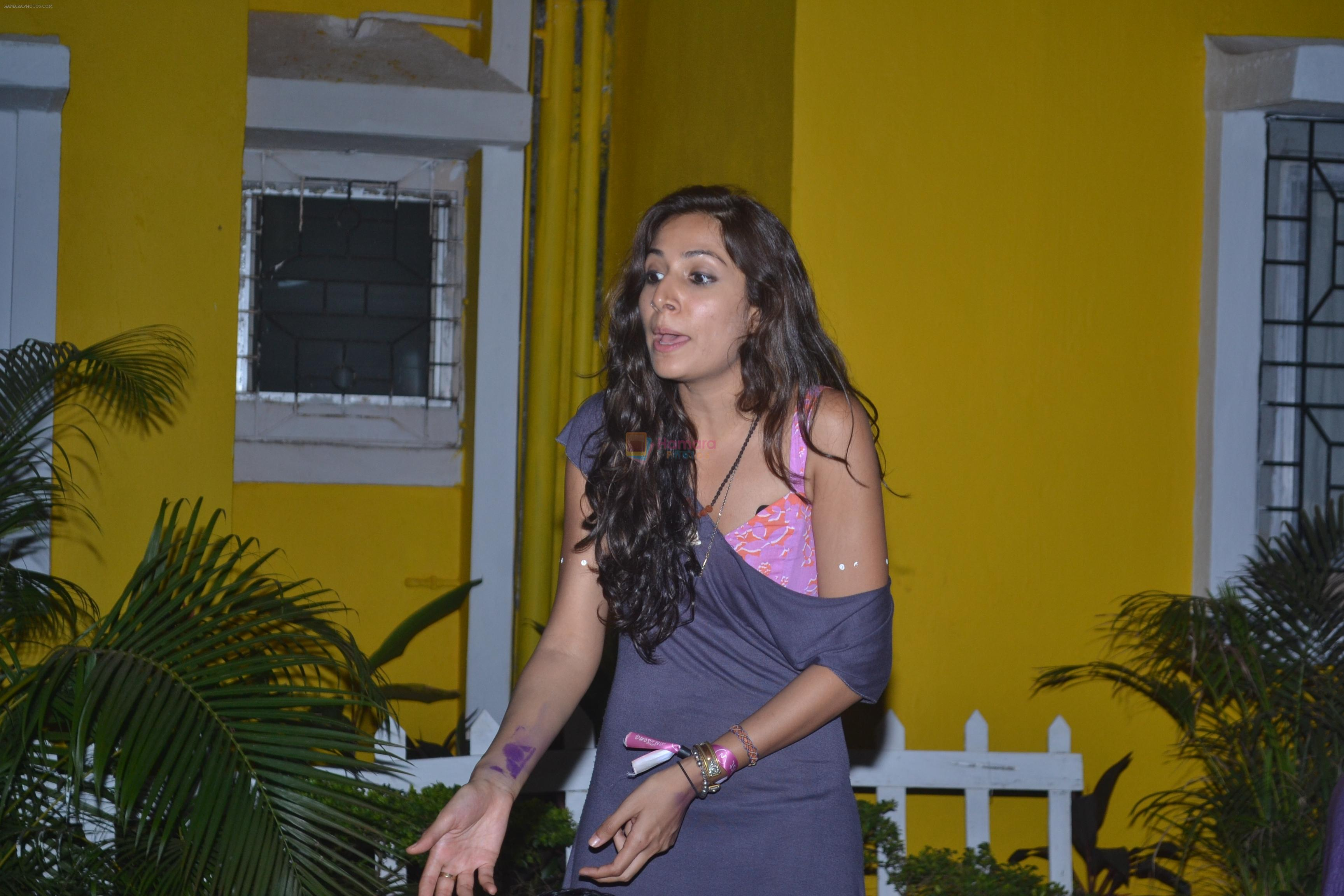 Monica Dogra enthralls at Sundown bash at Adamo The Bellus Goa on 27th Dec 2012