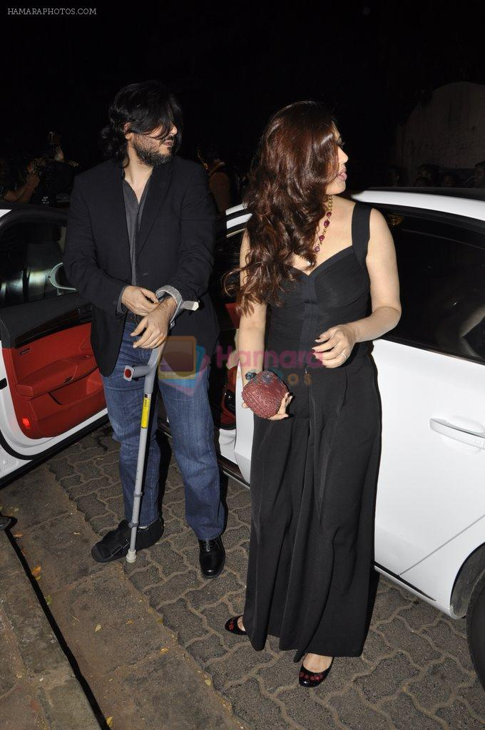 Sonali Bendre, Goldie Behl at Bunty Walia's wedding reception bash in Olive on 28th Dec 2012