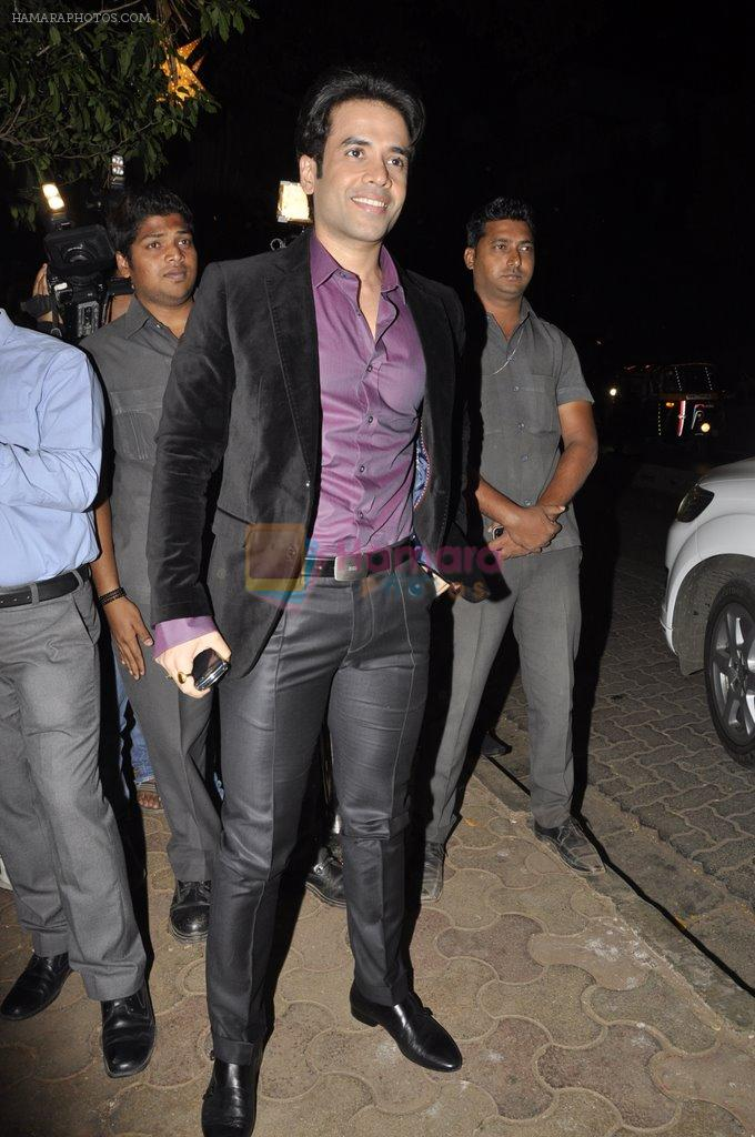 Tusshar Kapoor at Bunty Walia's wedding reception bash in Olive on 28th Dec 2012