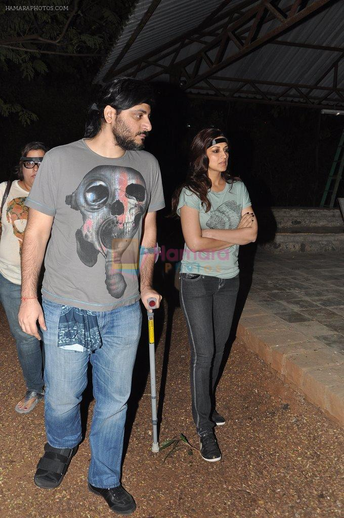 Sonali Bendre at the peace march for the Delhi victim in Mumbai on 29th Dec 2012