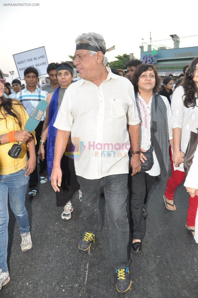 Om Puri at the peace march for the Delhi victim in Mumbai on 29th Dec 2012
