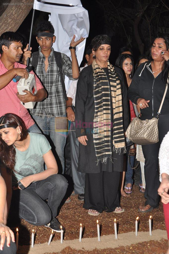 Shabana Azmi at the peace march for the Delhi victim in Mumbai on 29th Dec 2012