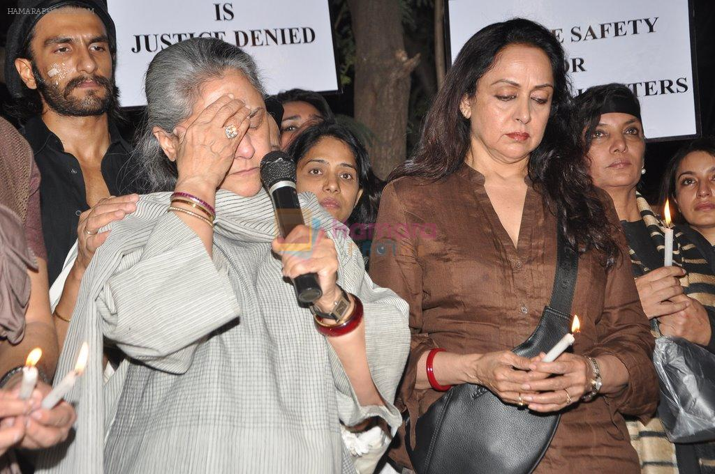 Hema Malini, Jaya Bachchan at the peace march for the Delhi victim in Mumbai on 29th Dec 2012