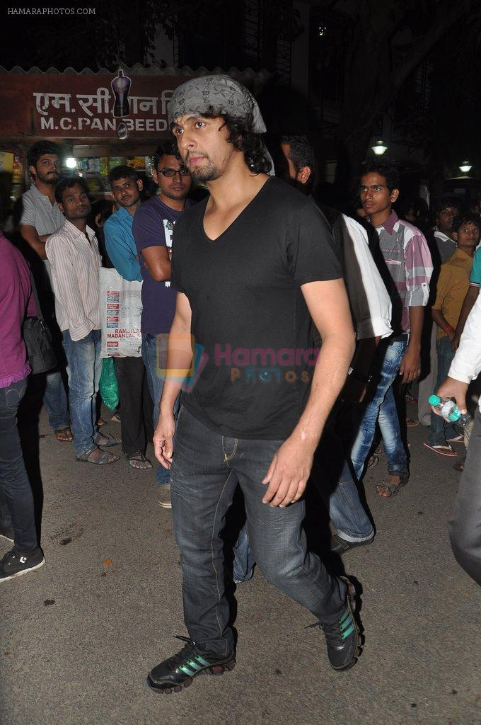 Sonu Nigam at the peace march for the Delhi victim in Mumbai on 29th Dec 2012