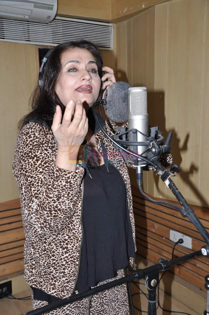 Salma Agha at a song recording for Damini - tribute to the victim of delhi rape in Mumbai on 7th Jan 2013