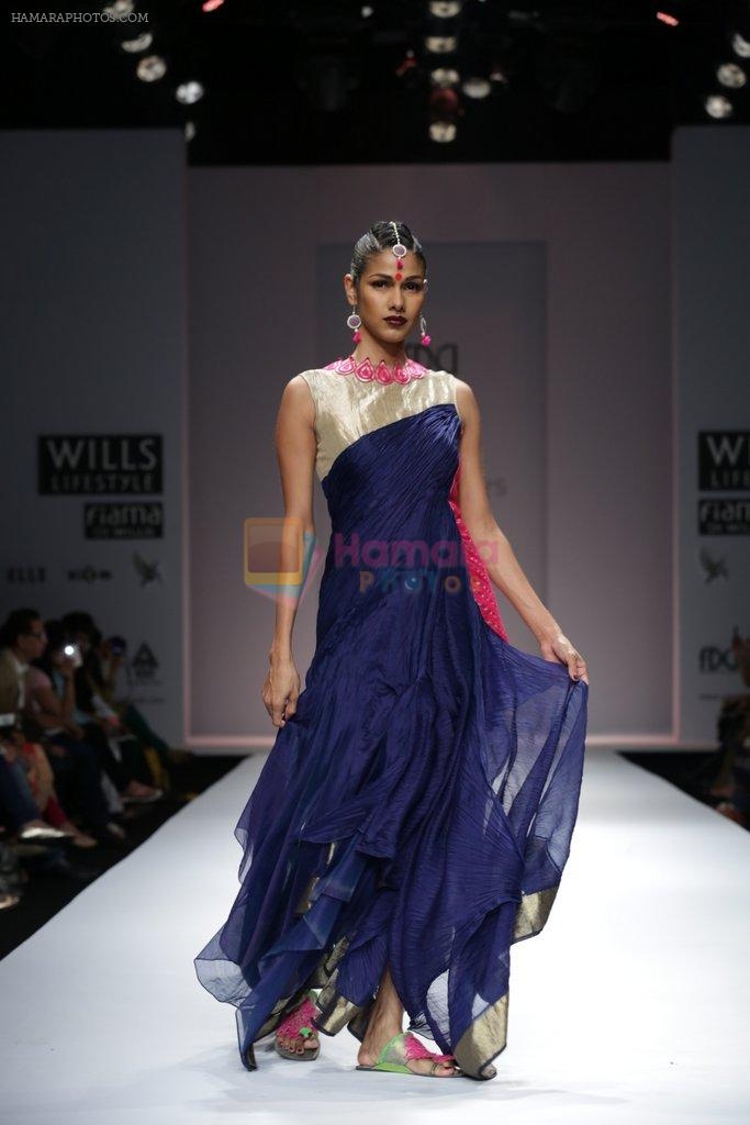 Model walks the ramp for Vaishali S Show at Wills Lifestyle India Fashion Week 2013 Day 5 in Mumbai on 17th March 2013