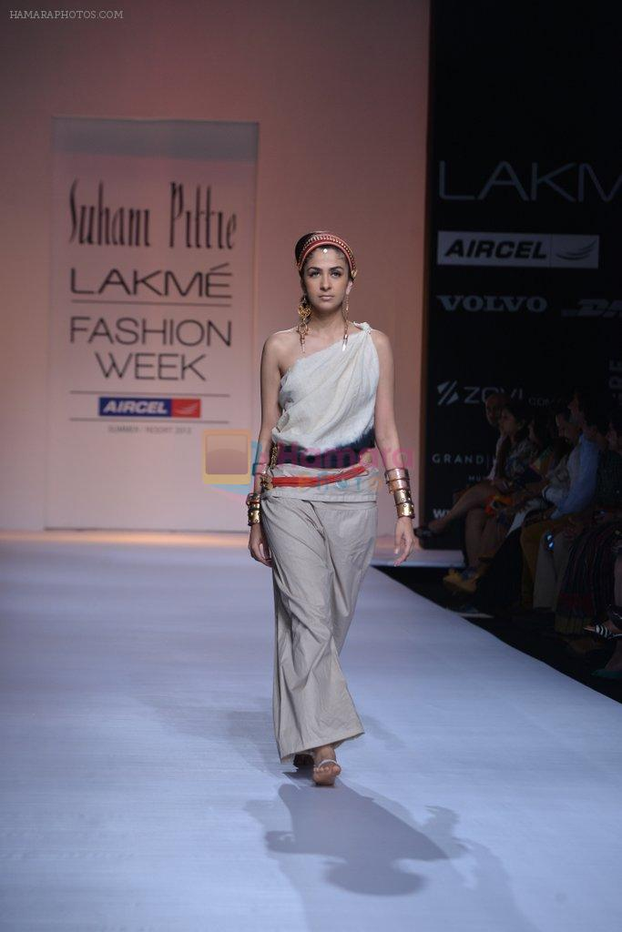 Model walk the ramp for Suhani Pittie Show at Lakme Fashion Week 2013 Day 1 in Grand Hyatt, Mumbai on 22nd March 2013