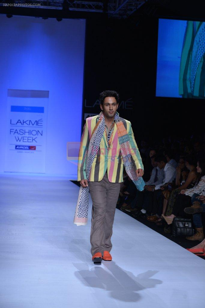 Sahil Anand walk the ramp for Debarun Show at Lakme Fashion Week 2013 Day 1 in Grand Hyatt, Mumbai on 22nd March 2013