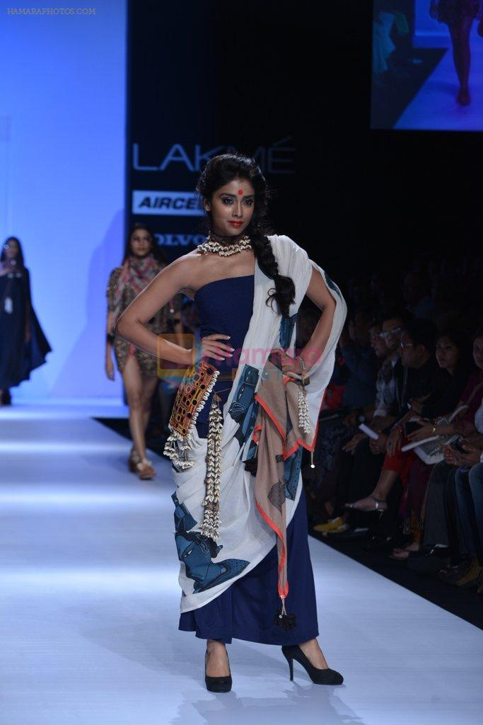 Shriya Saran walk the ramp for Asmita Marwa Show at Lakme Fashion Week 2013 Day 1 in Grand Hyatt, Mumbai on 22nd March 2013