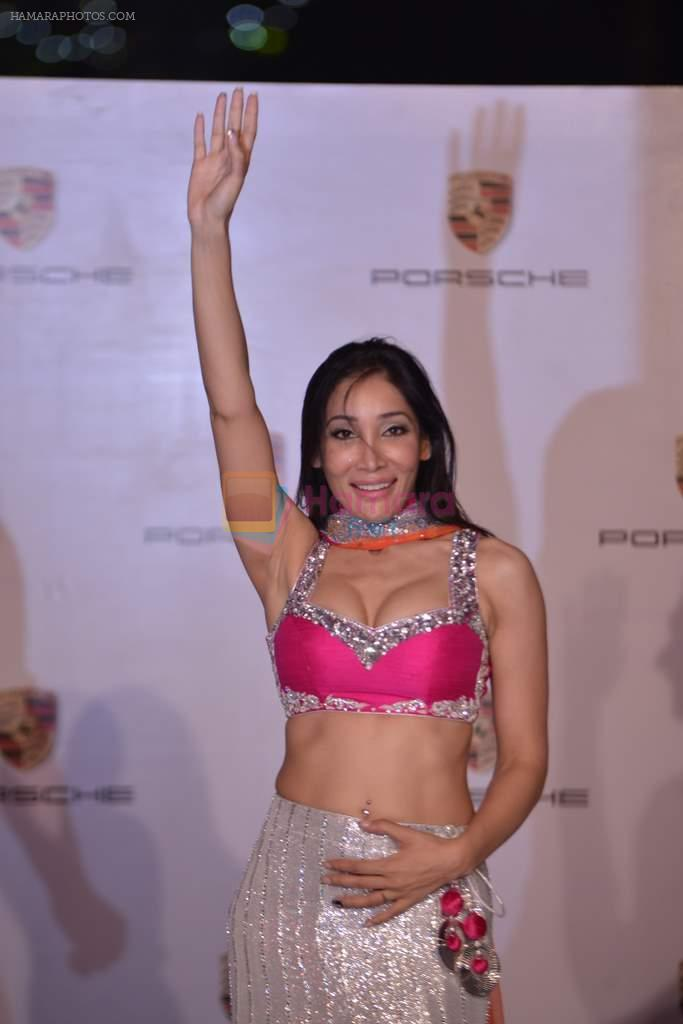 Sofia Hayat at Delna Poonawala fashion show for Amateur Riders Club Porsche polo cup in Mumbai on 23rd March 2013