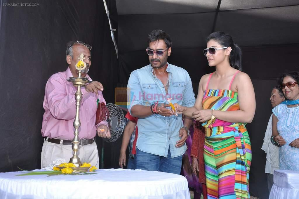 Ajay Devgan, Kajol at Clean Lonavala program in Mumbai on 11th May 2013