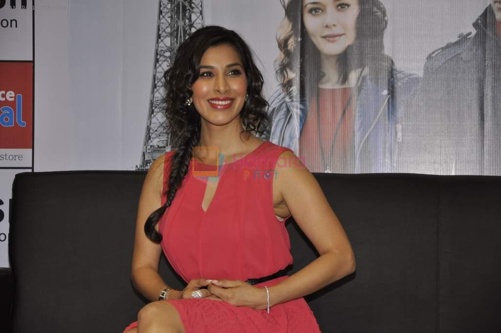 Sophie Choudry at Ishq in Paris promotions in Infinity Mall, Mumbai on 17th May 2013