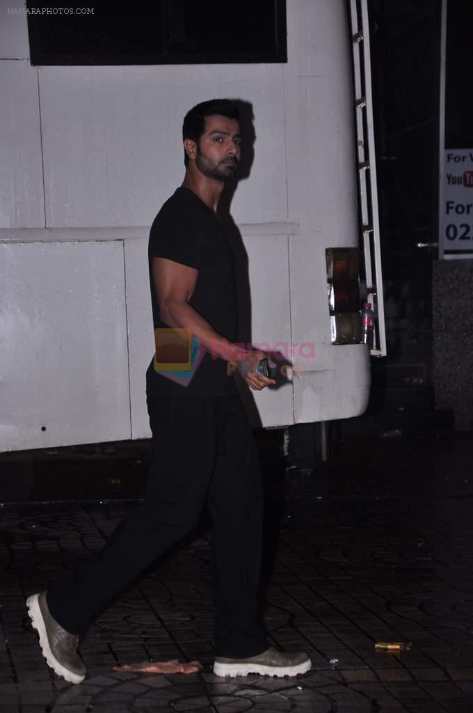 Ashmit Patel snapped on the sets of Mental in Citi Mall, Andheri, Mumbai on 23rd July 2013