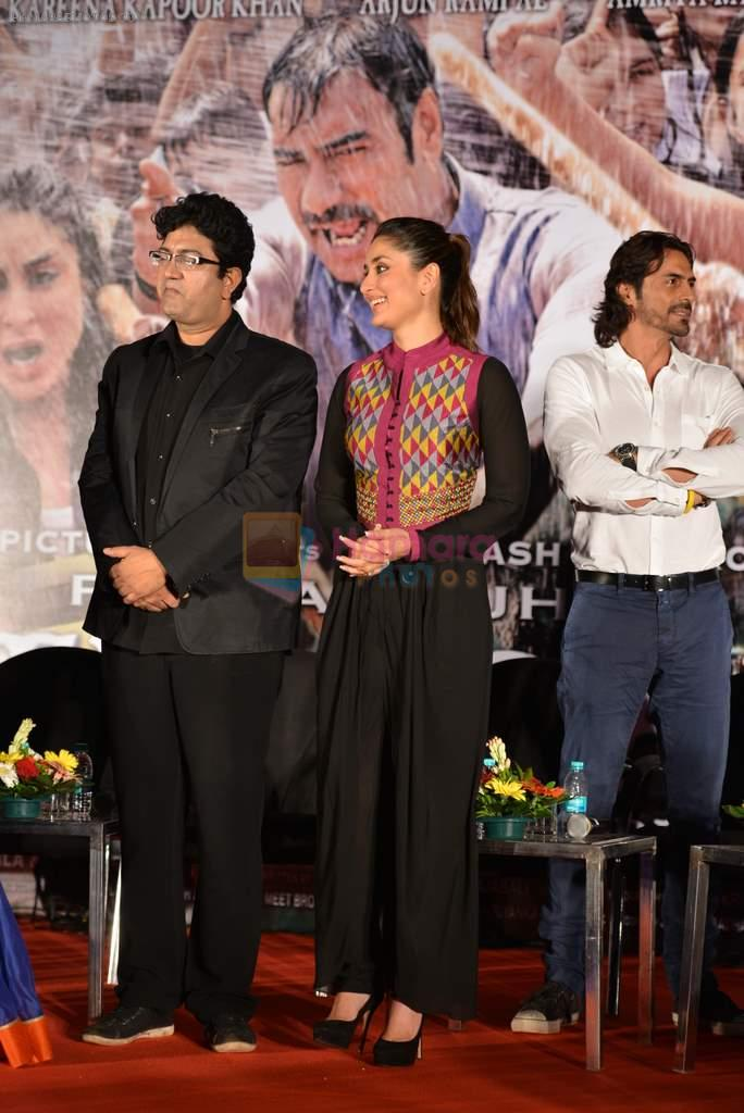 Kareena Kapoor, Parsoon Joshi at Launch of Raghupati Raghav song from Satyagraha in Mumbai on 25th July 2013
