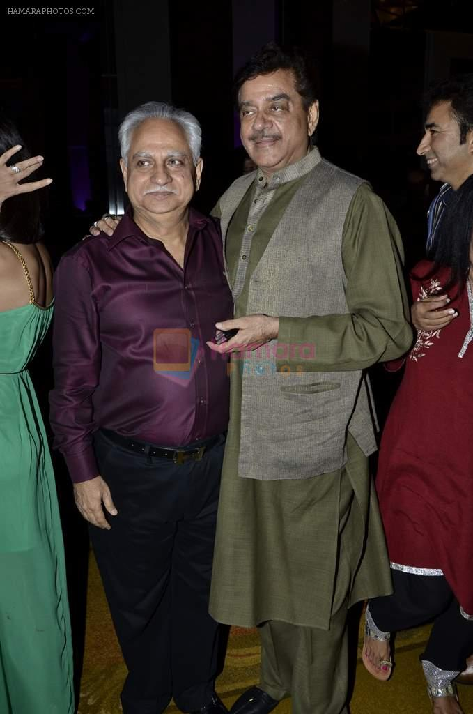 Ramesh Sippy, Shatrughan Sinha at Kiran Juneja Sippy's Respond Foundation launch in Mumbai on 26th July 2013
