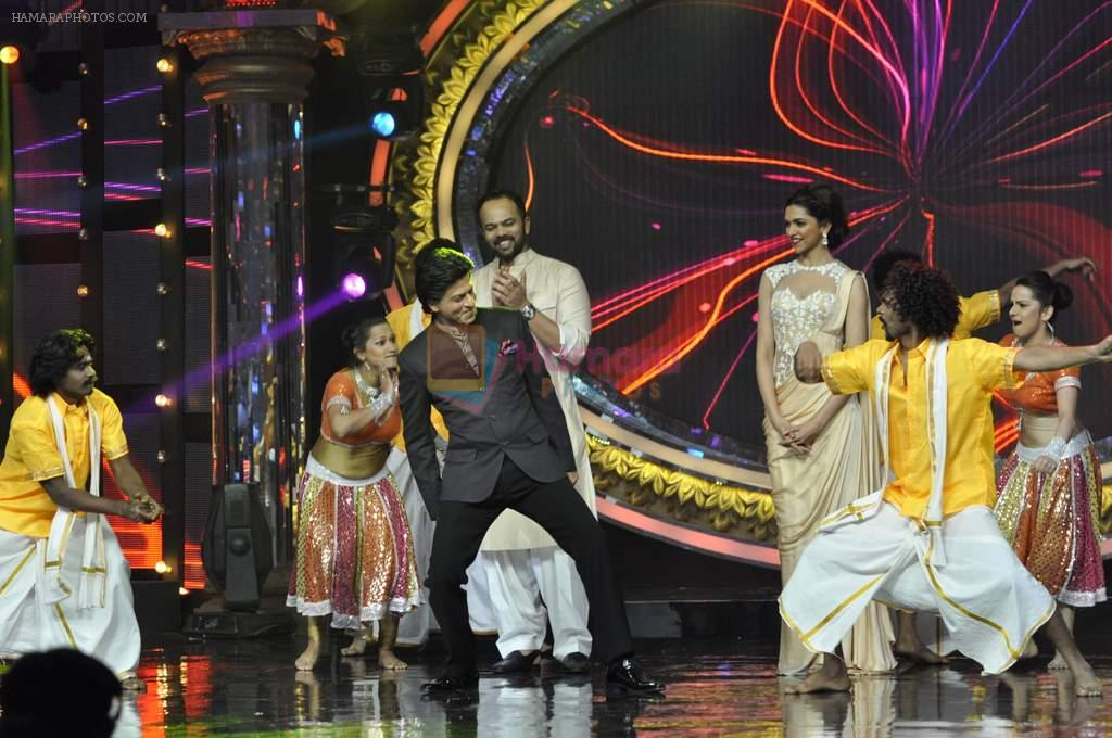 Shahrukh Khan, Rohit Shetty and Deepika Padukone on the sets of Indian Idol Junior in Filmcity, Mumbai on 28th July 2013