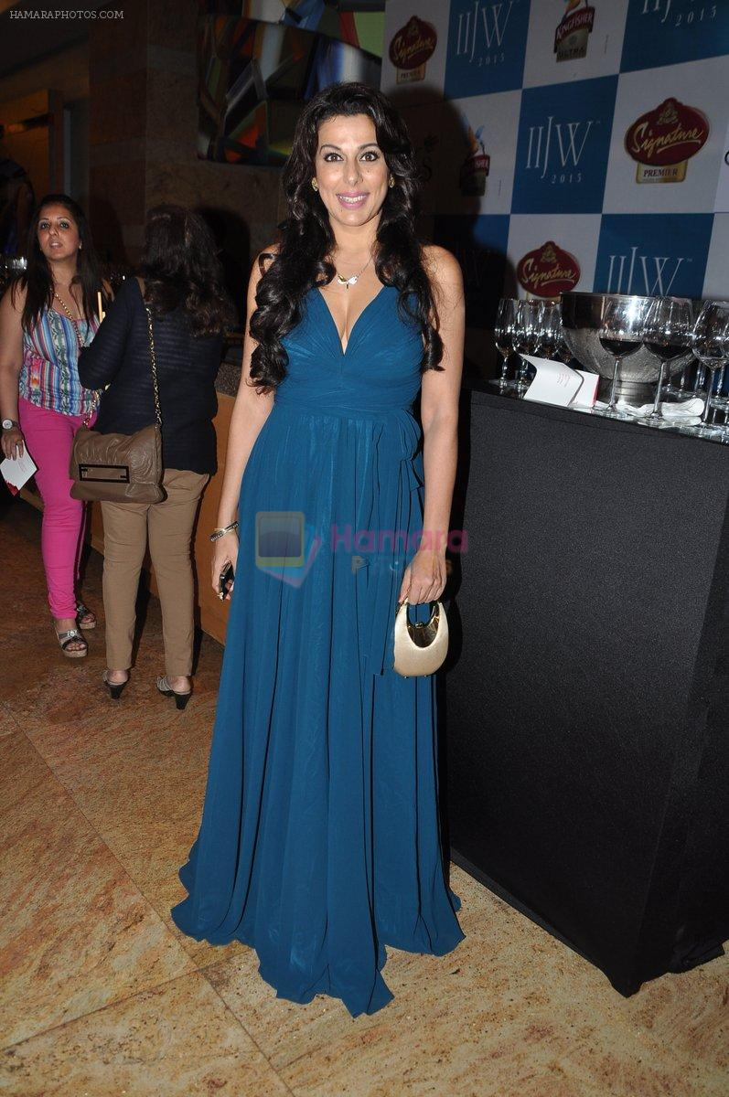 Pooja Bedi at Gehna Show at IIJW 2013 in Mumbai on 4th Aug 2013
