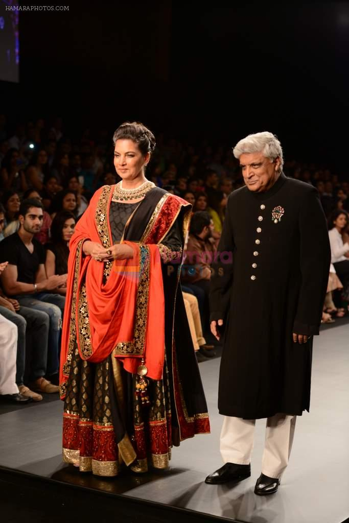 Shabana Azmi, Javed Akhtar walk the ramp for Golecha Jewels on Day 3 of IIJW 2013 on 6th Aug 2013