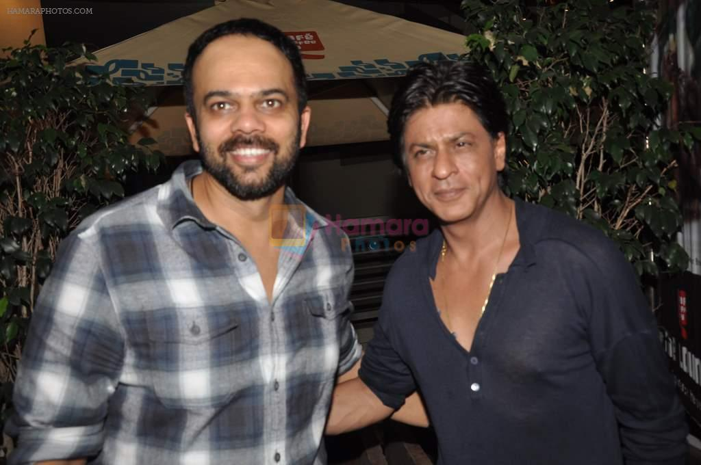 Rohit Shetty, Shahrukh Khan at the special screening of Chennai Express in PVR, Mumbai on 8th Aug 2013