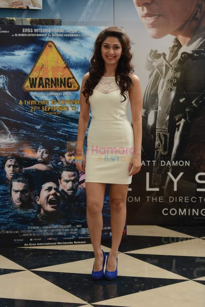 Manjari Phadnis at Anubhav Sinha's 3D film Warning in Mumbai on 21st Aug 2013