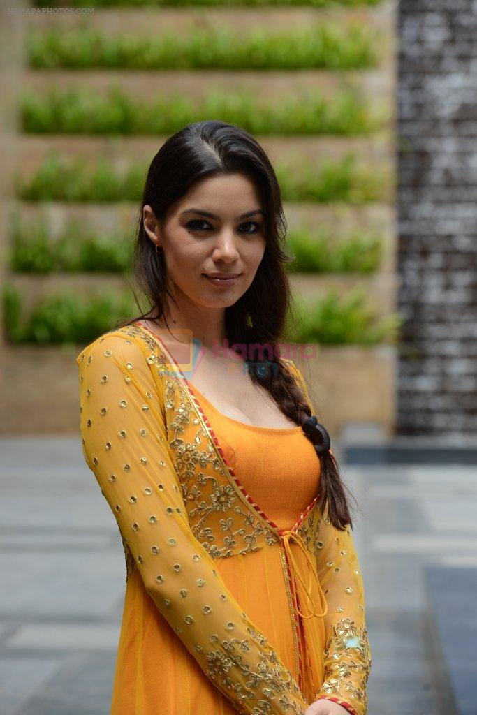 Mia Uyeda Photoshoot at LFW 2013 in Grand Hyatt, Mumbai on 27th Aug 2013