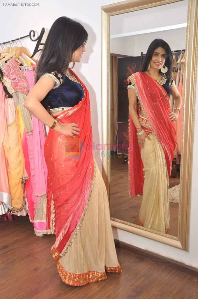 Shibani Kashyap at Zanaya Couture store in Kemps Corner, Mumbai on 6th Oct 2013